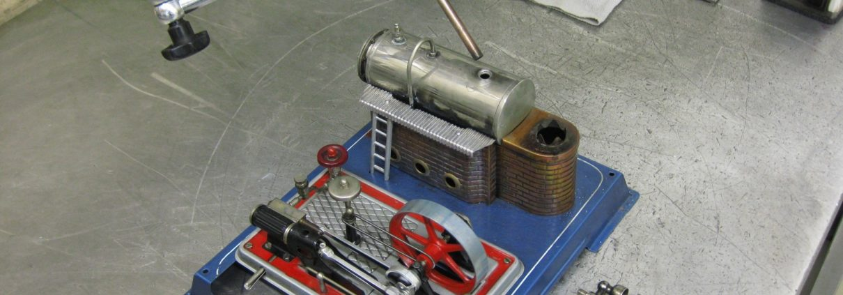 Modell einer Dampfmaschine